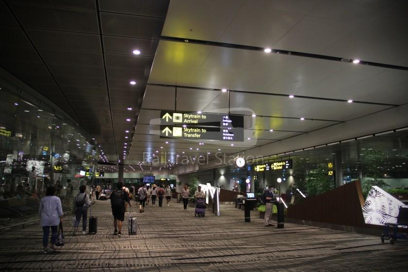 Singapore Airlines SQ983 BKK SIN 072