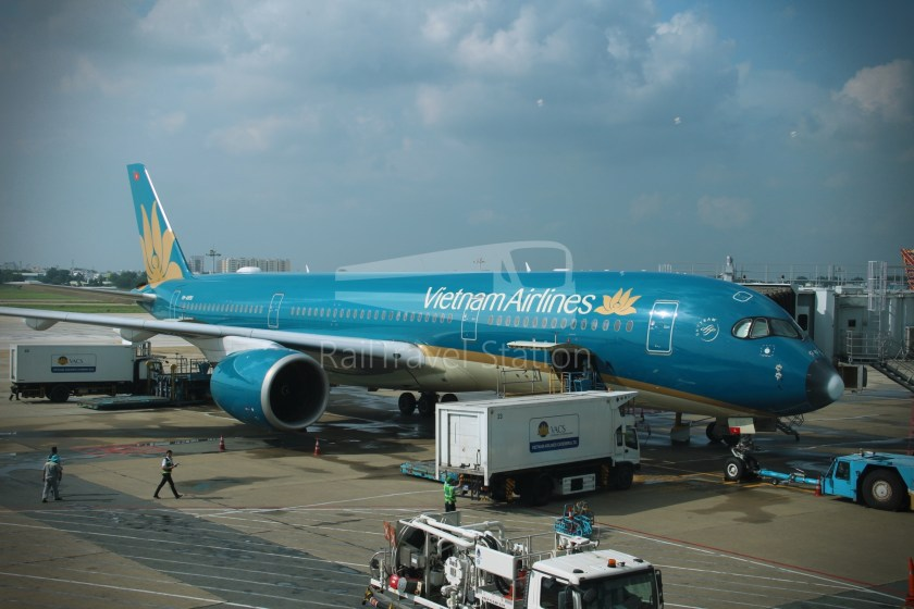 Vietnam Airlines VN657 SGN SIN from ICN 010