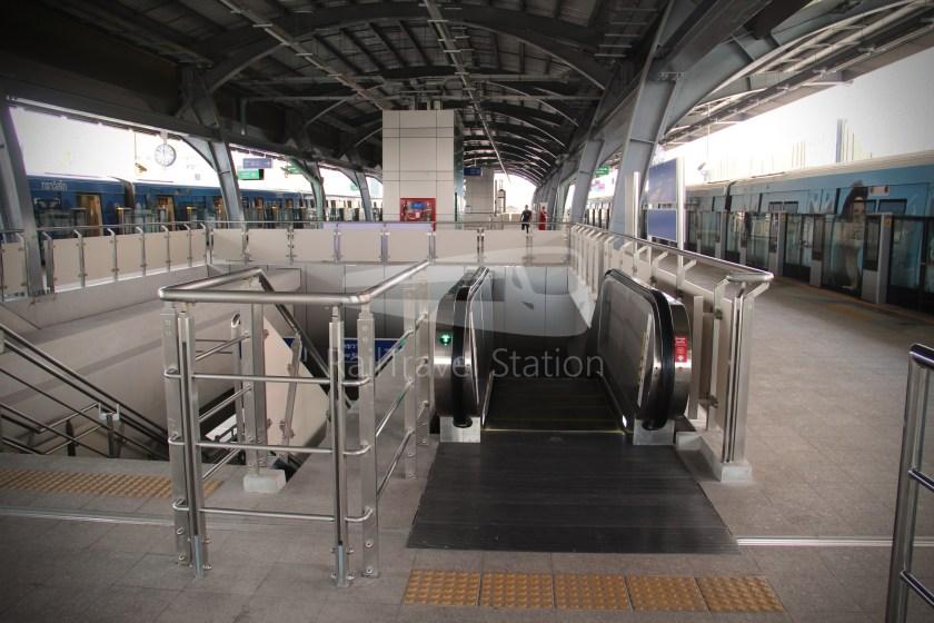 BTS Sukhumvit Line Ha Yaek Lat Phrao Extension 035