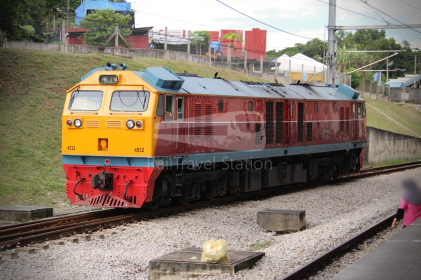 Special Express 46 Padang Besar Bangkok Hua Lamphong 025
