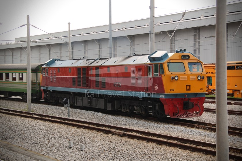 Special Express 46 Padang Besar Bangkok Hua Lamphong 028