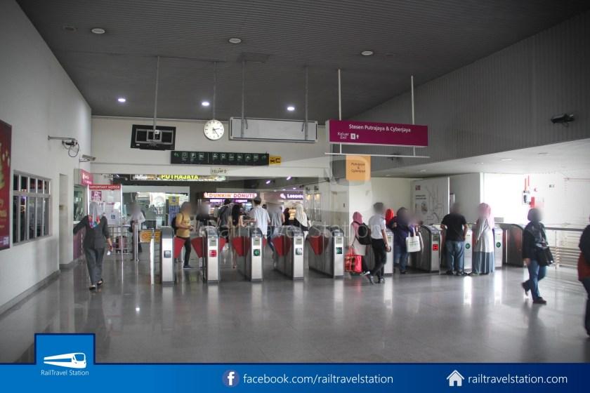 KLIA Transit KL Sentral Putrajaya 049