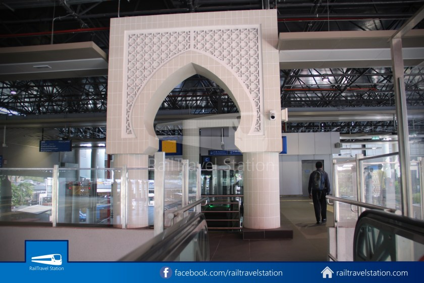 Pasar Seni LRT – Kuala Lumpur KTM Link Bridge 012