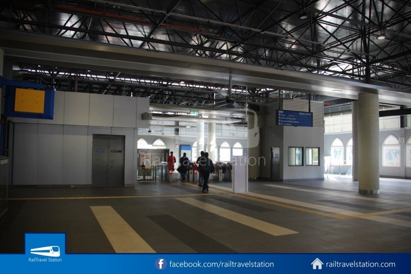 Pasar Seni LRT – Kuala Lumpur KTM Link Bridge 013