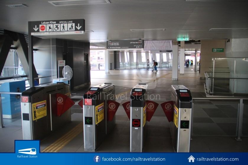 Pasar Seni LRT – Kuala Lumpur KTM Link Bridge 031
