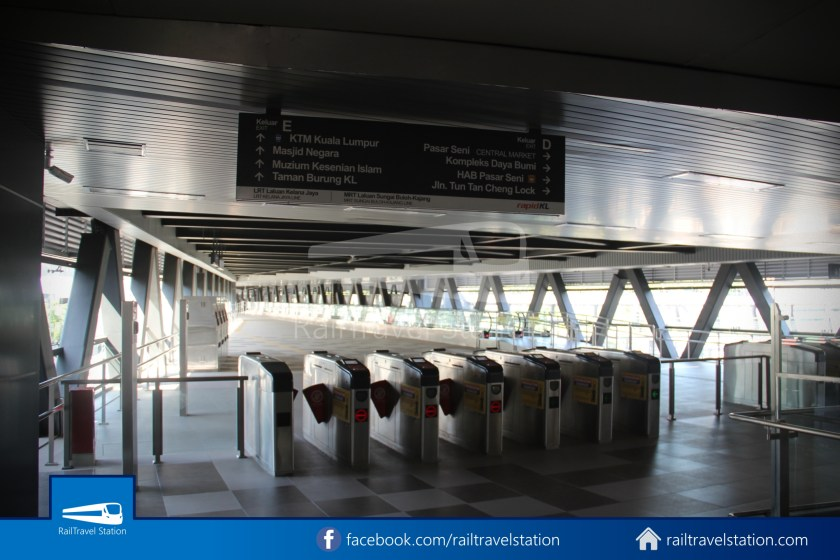 Pasar Seni LRT – Kuala Lumpur KTM Link Bridge 033