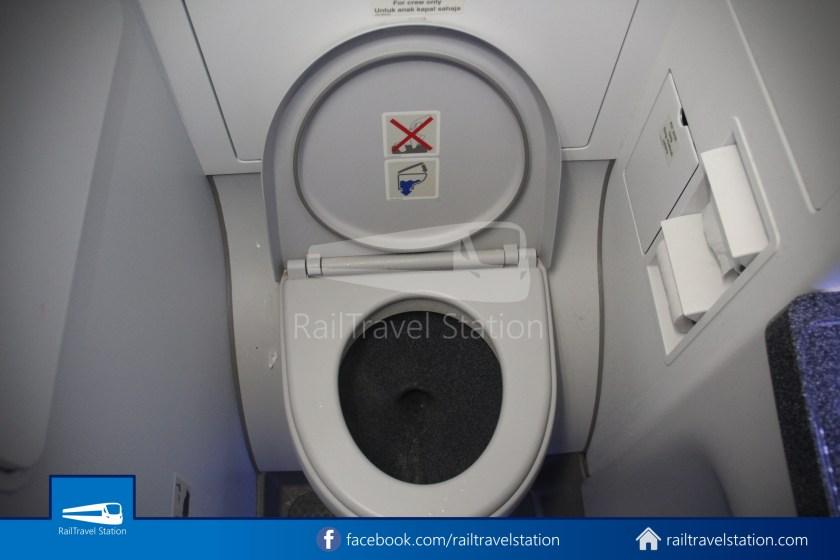 AirAsia AK720 SIN KUL Airbus A321neo 047