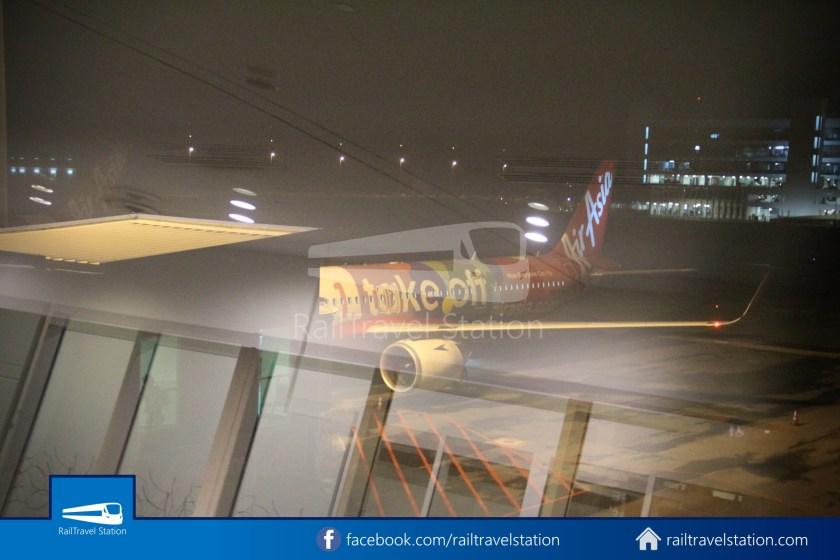 AirAsia AK720 SIN KUL Airbus A321neo 054