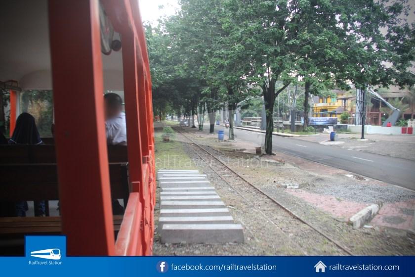 TMII Mini Train 061