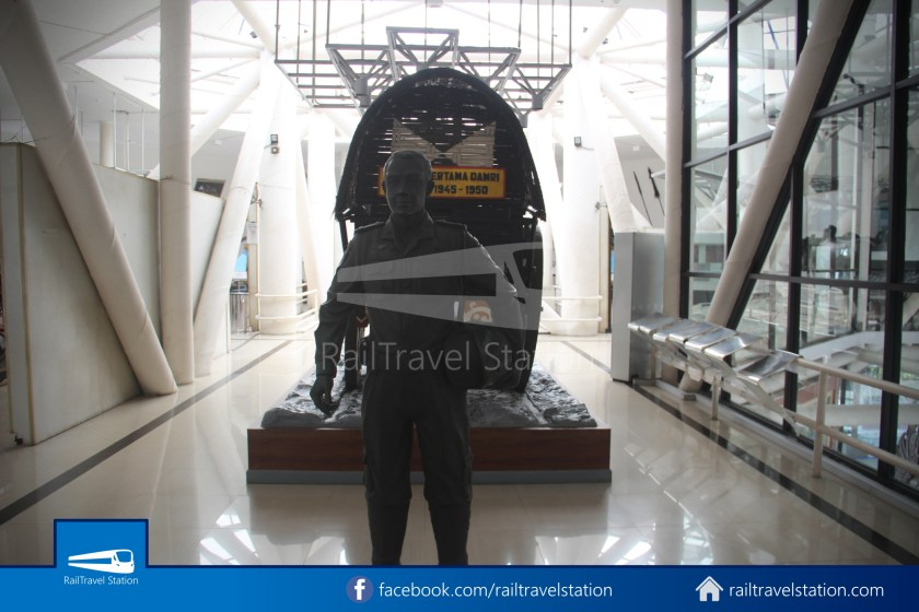 TMII Museum Transportasi 073