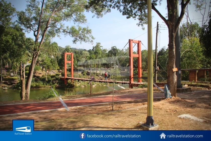Hat Yai City Municipality Park Shuttle Songthaew Wonders Land Cable Car 017
