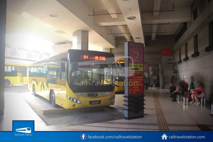 Causeway Link AA1 JB Sentral Senai Airport 9am 006
