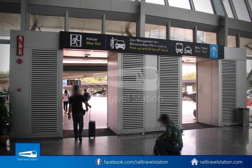 Causeway Link AA1 Senai Airport JB Sentral 3pm 004