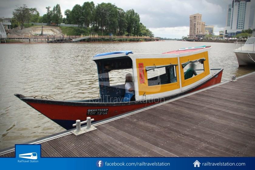 Kuching Penambang Kampung Boyan Waterfront 016