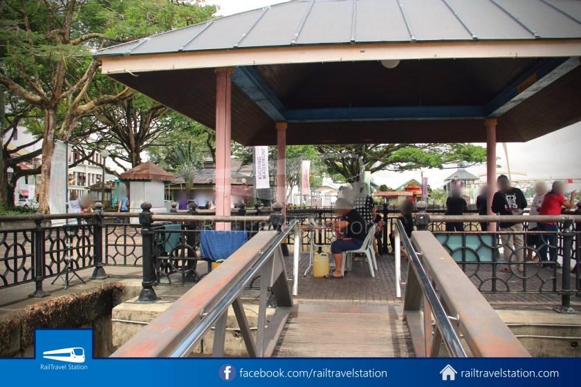 Kuching Penambang Kampung Boyan Waterfront 019