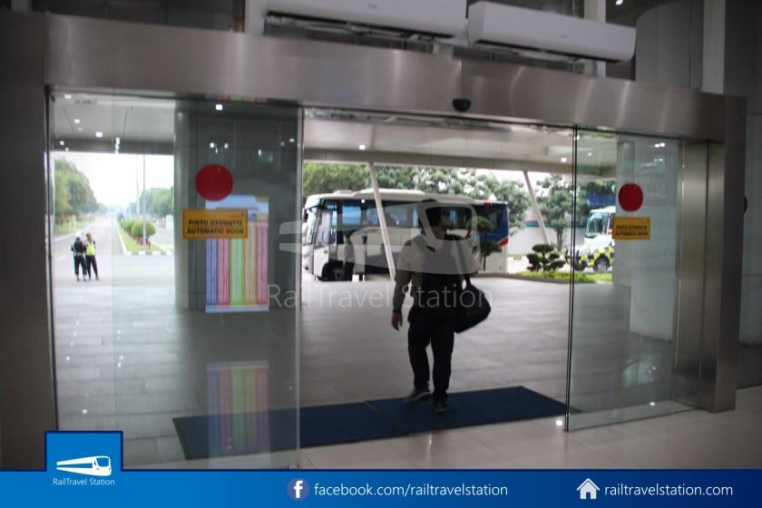 Railink 691692 Shuttle Bus ARS T2 001