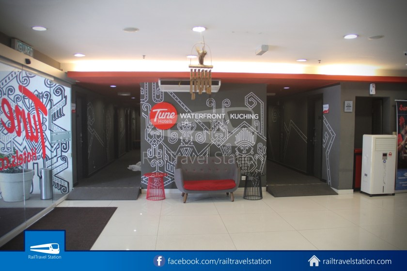 Tune Hotel Waterfront Kuching 001