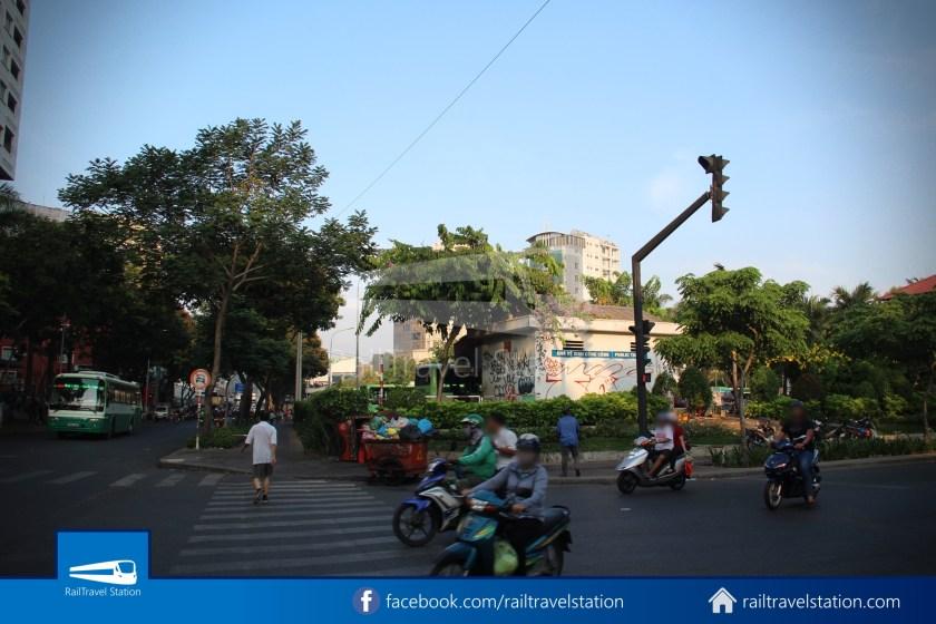Airport Bus 109 23-9 Park Pham Ngu Lao Tan Son Nhat International Airport 01