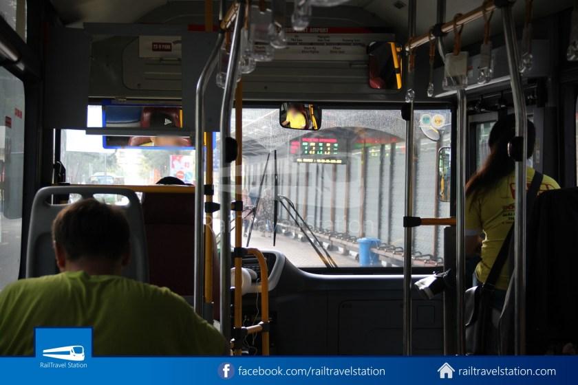 Airport Bus 109 23-9 Park Pham Ngu Lao Tan Son Nhat International Airport 16