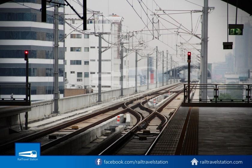 SARL City Line Phaya Thai Makkasan 2011 002