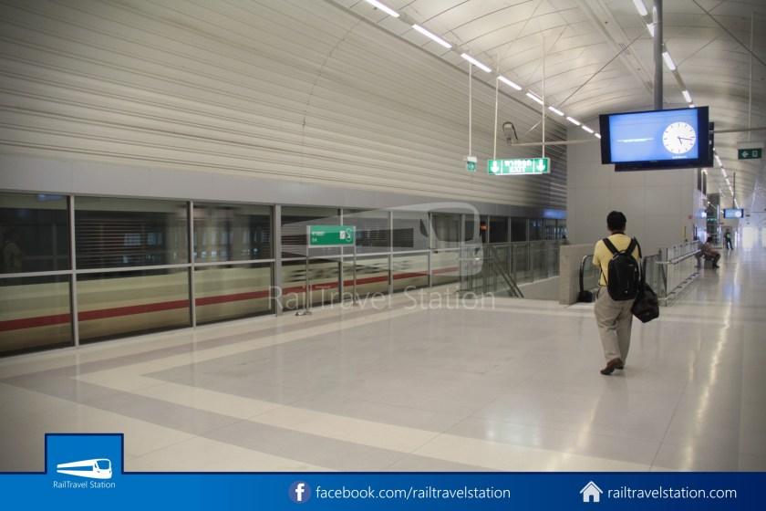 SARL Express Line Makkasan CAT Suvarnabhumi 2012 016