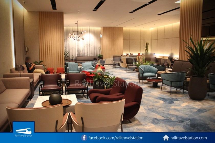 Changi Lounge $12 005