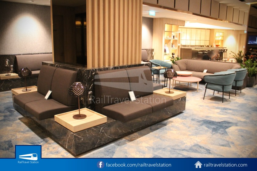Changi Lounge $12 022