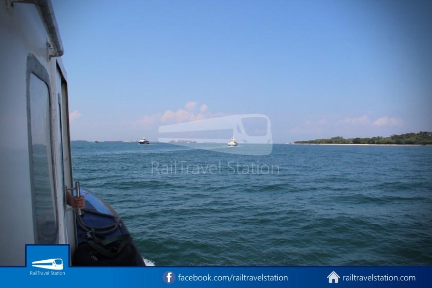 Marina South Ferries St John Island Kusu Island 011
