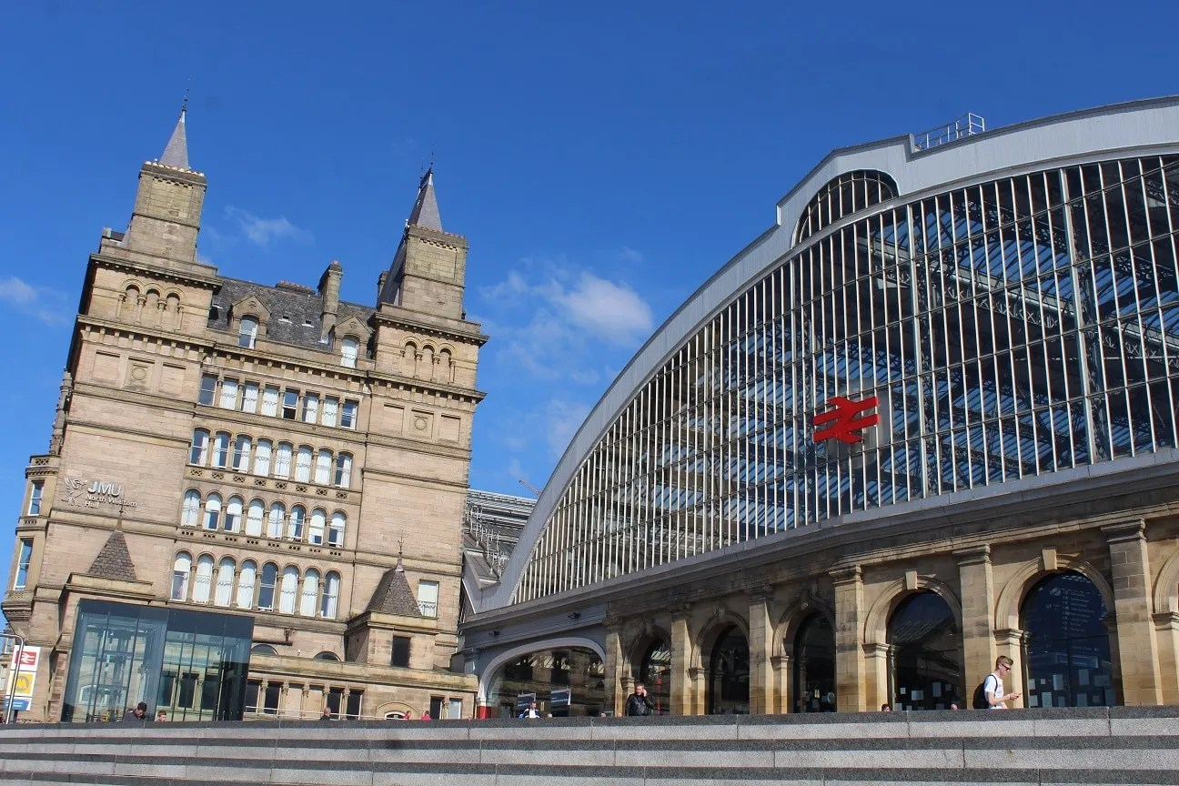Liverpool station where you can follow my tips to get cheap train travel