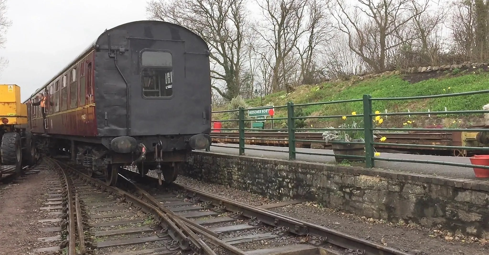 Mark 1 carriage BSK M34527 being shunted ready for loading