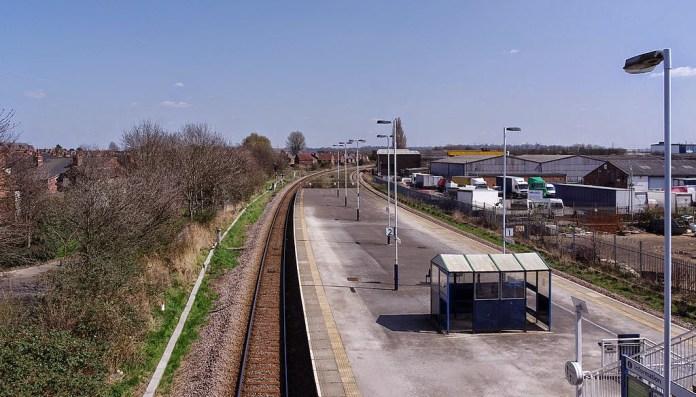 1024px-Netherfield_railway_station_MMB_15