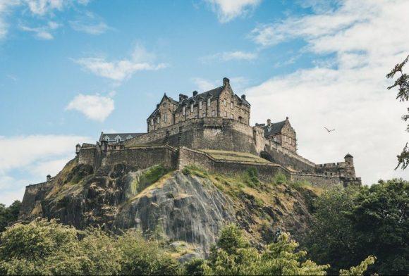 Caledonian sleeper train Edinburgh castle