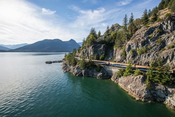 rocky mountaineer train canada