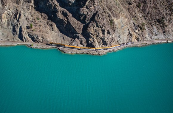 rocky mountaineer lake train canada