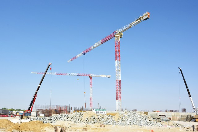 Two Raimondi MRT294 topless tower cranes go to work on Yas Island, Abu Dhabi