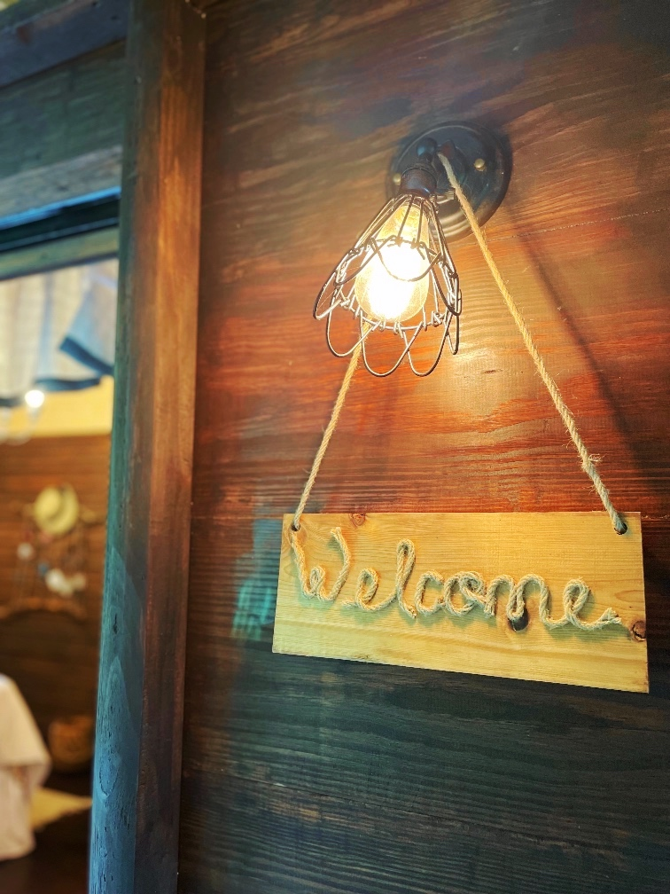 Rustic Rope & Wood Sign