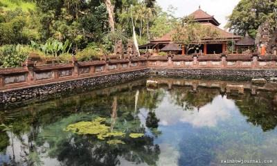 Another natural spring inside Tirta Empul.