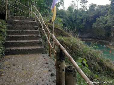 It's quite a dramatic reveal as you reach the botoom of the steps leading to Bolinao Falls 1