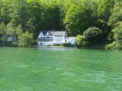 Another great lake house