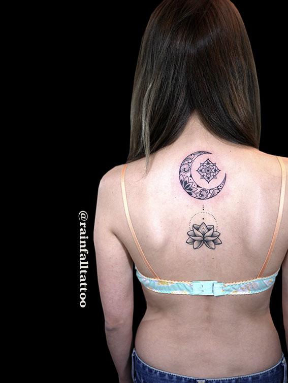 タトゥー 女性 月 蓮 ヘナ