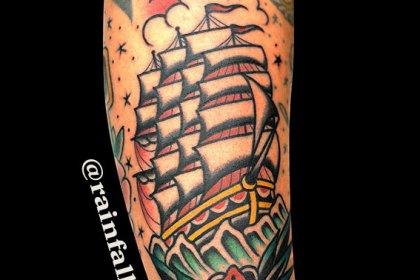 タトゥー 帆船 花
