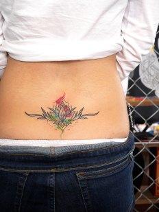 蓮の水彩タトゥー