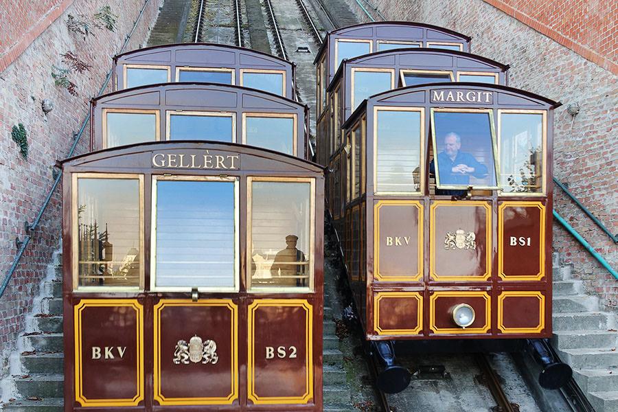布達佩斯   搞定城堡山交通:巴士、登山纜車、徒步上山