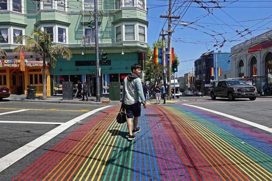 舊金山 | 卡斯楚街 The Castro 彩虹同志村 – 自由大道上的 LGBT 六彩斑馬線