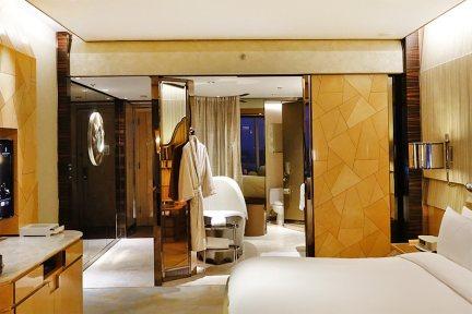 上海浦東麗思卡爾頓酒店 The Ritz-Carlton Shanghai 貴氣逼人的東方明珠塔絕景住宿