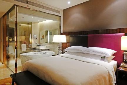 曼谷拉差阿帕森萬麗酒店 Renaissance Bangkok Ratchaprasong Hotel 奇隆站商圈精華地段,空鐵2分鐘