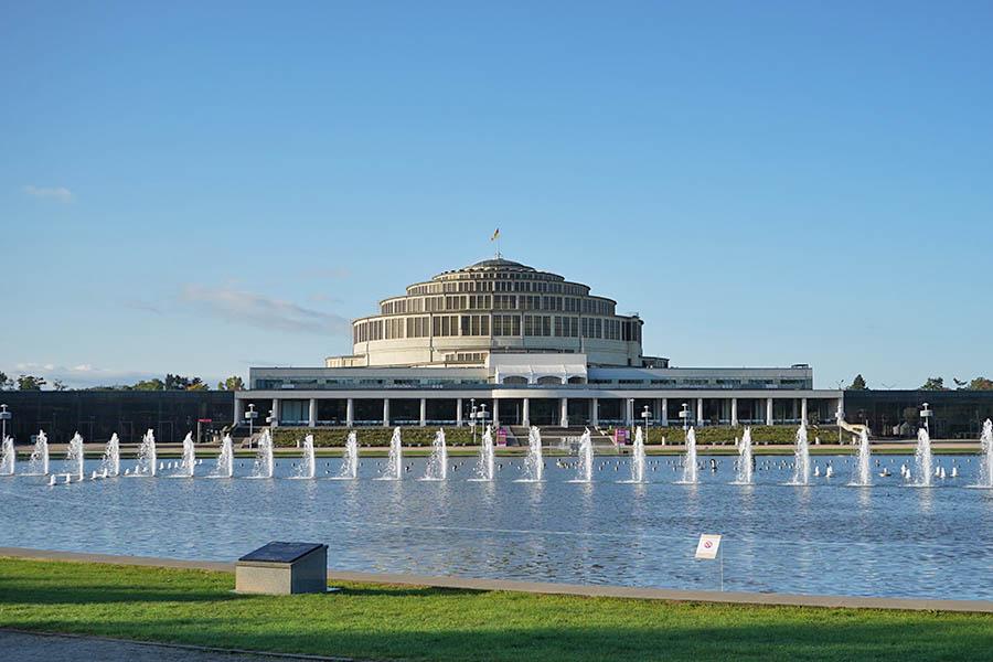 樂斯拉夫百年廳 Hala Stulecia 歐洲最大噴泉,波蘭世界文化遺產!!