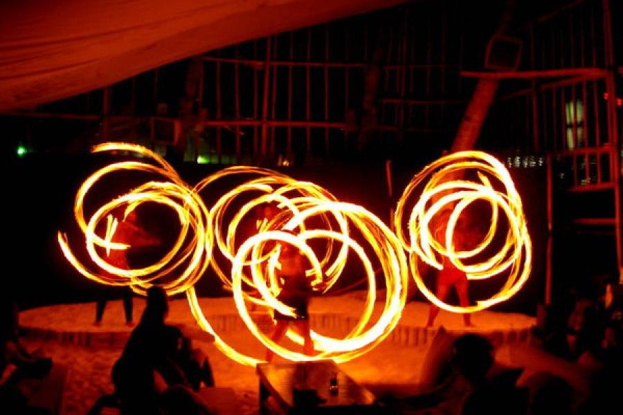 Boracay | 長灘島夜生活 夜店 酒吧 水煙 火舞表演