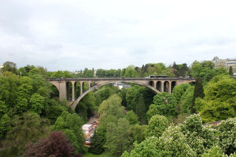 [盧森堡] Luxembourg   阿道夫橋 Pont Adolphe x 佩特羅斯河谷 Pétrusse Valley x 憲法廣場 Place de la Constitution