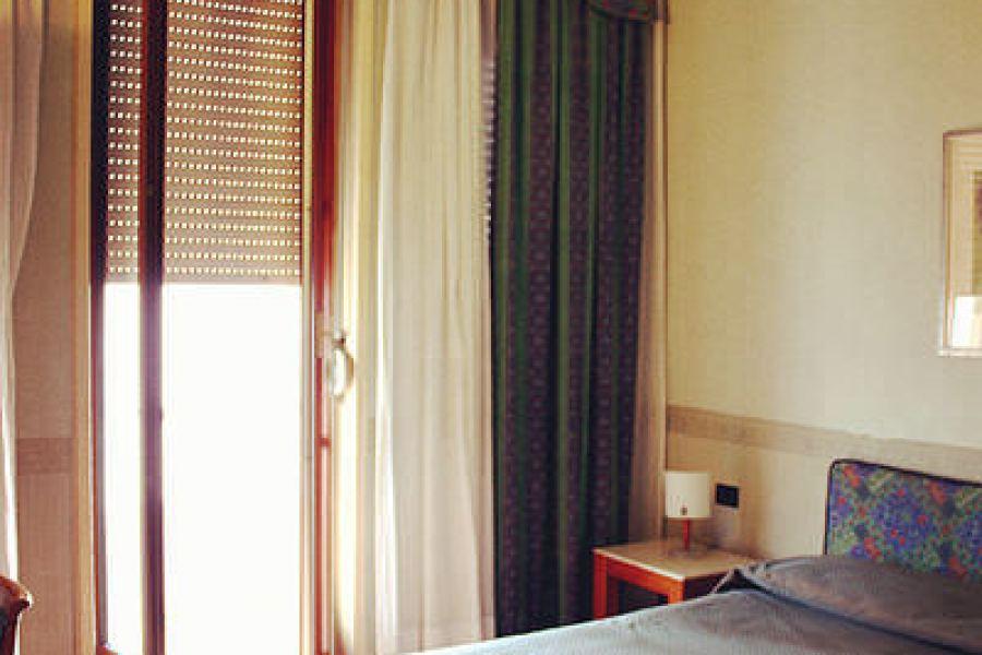 米蘭平價住宿 Hotel Florida Milan 位置完美的老舊飯店